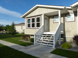 Townhouse 1550sqf BC Rockies close 3 to lakes, Freehold $119,900