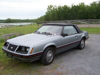 1983 Ford Mustang XL Convertible  55000 k SELL OR TRADE