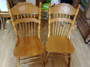 $20 obo 2 chairs and table top