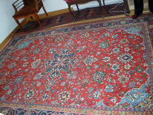 FOR SALE: BEAUTIFUL PERSIAN CARPET 7 FEET BY 10 FEET