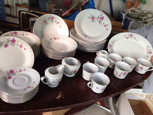 MOVING SALE: Rose Pattern Dish set