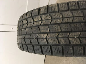 Dunlop Winter Tire 215/70/R15