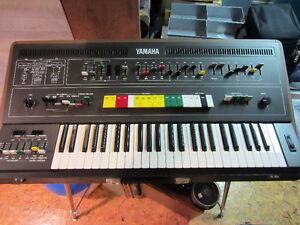 Mint condition Yamaha CS50 analog synthesizer w/ accessories