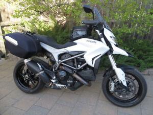 2013 Ducati Hyperstrada - CALGARY