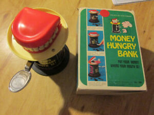 MONEY HUNGRY BANK Poynter 1975 Vintage Toy Coin Bank Joke Teeth