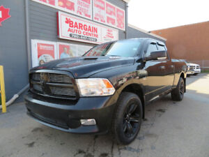 2012 RAM 1500 QUAD CAB SPORT ***FULLY LOADED LEATHER AND ROOF**