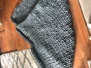 Cozy giant knit blanket - will deliver