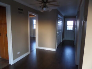 Spacious main level 3 bedroom apt, heat & hot water included