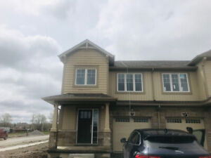 Never lived 3 bedoom new house for lease from June 1 in WELLAND