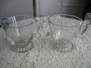 ATTRACTIVE VINTAGE CLEAR GLASS ETCHED CREAM & SUGAR