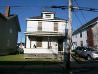 4 Bedroom house located downtown!!