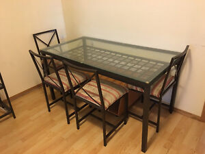 Metal Kitchen table / Dining room table and 4 chairs