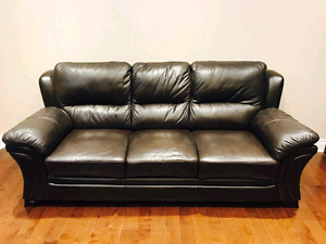 EXCELLENT CONDITION 2 REAL LEATHER COUCHES VERY NEW
