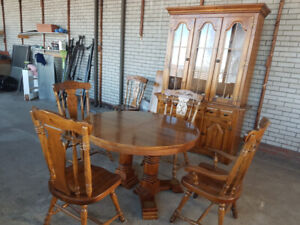 Dinette Set with Matching Hutch