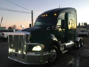 """2014 T680 76"""" Sleeper Double Bunk with APU Unit"""