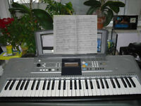 Yamaha keyboard PSR E323 With Adapter