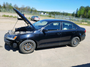 2011 Volkswagen Jetta 2.0 Parting out