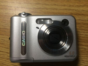 Casio QV-R62 6.0 Megapixel Camera
