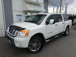 2012 Nissan Titan SL 4x4 Crew Cab, Leather, Sunroof, Immaculate!