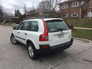 2004 Volvo XC90 MINT CONDITION  DRIVE EXELEND