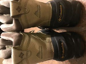 Excellent condition winter hikers