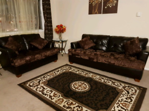 Couch & love seat with 4 cushions