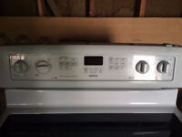 """***REDUCED*** -- Maytag 30"""" electric Convection range"""