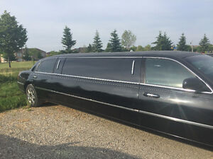 2008 Lincoln Town Car Stretch Limousine Sedan