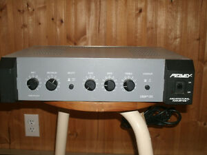 PEAVEY UMA/35 PA AMP, DEAN MARKLY PICKUP, PEAVY MIC ,CORD ,STAND