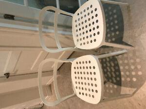 2 chaises de bureau métallique blanche-ikea
