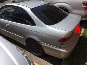 2000 Honda Civic SI *automatic,beaucoup de pièces