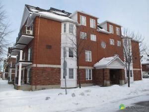Superbe condo loft 700 p.c à louer, Ville St-Laurent à Montréal
