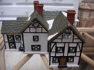 LIGHTED CHRISTMAS COTTAGE