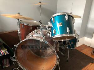 Vintage Japanese Asama Drum Kit
