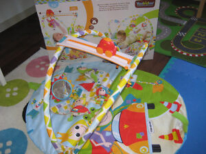 Yookidoo activity playland gymotion gym for infants like new!