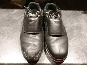 Curling shoes - right hand thrower Cornwall Ontario image 1
