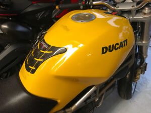 Ducati Monster 900 1998 Parfait/Mint