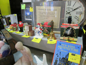 Christmas Collectables For Sale at Nearly New!