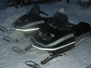Real Nice Jag 2000 Vintage snowmobile