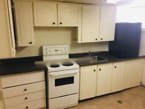 Room for rent - SEPT 1st Near MOHAWK COLLEGE