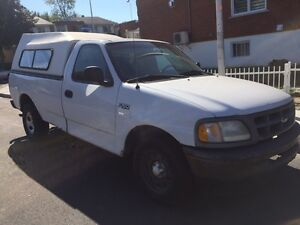 Ford f-150 V6 1998 automatique 600$