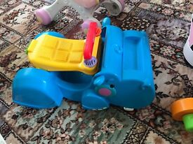Sit on toy and convertible walker