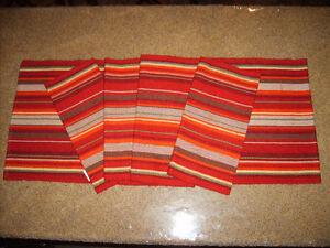 4 WOVEN PLACEMATS AND TABLE RUNNER