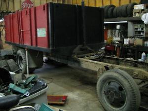 14' FLATBED w/ wood removable 4' high sides also has HOIST !!