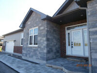 GORGEOUS RANCH BUNGALOW IN PORT PERRY