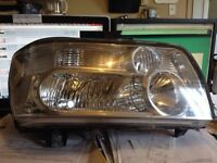 Infiniti qx56 Right headlamp 2004-2010