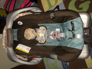 Graco: SnugRide 30 Classic Connect Carseat