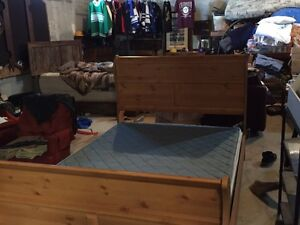 Queen size bed mattress and boxspring  Peterborough Peterborough Area image 1