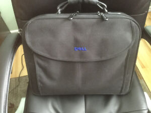 Labtop Carrying Case, Dell. PUO
