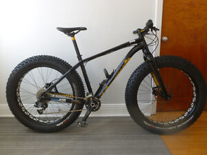 fat boy specialized 17.5 aluminium fourche carbon comme neuf